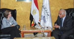 سفيرة بلجيكا فى القاهرة خلال لقاءها وزير النقل