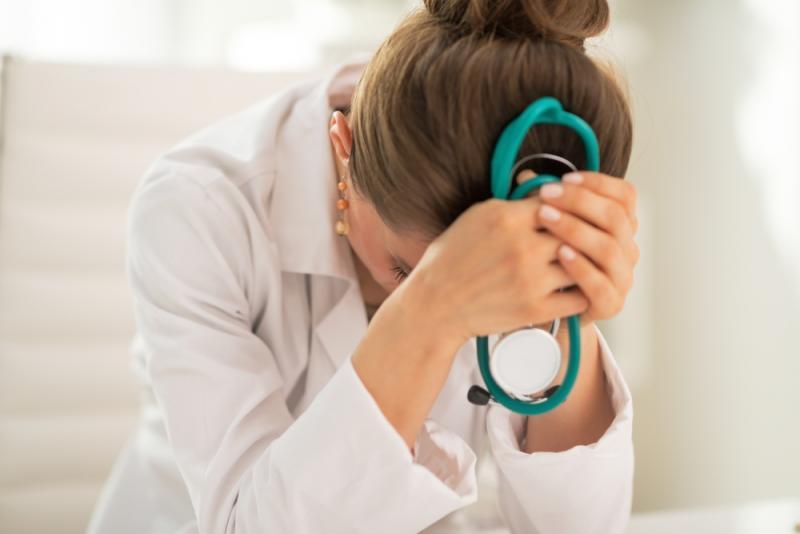 Photo of كيف يرى نواب لجنة الصحة قانون «منع الحبس الاحتياطى للأطباء» ؟