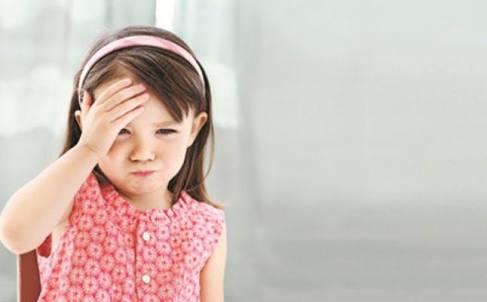 صورة أسباب الصداع عند الأطفال