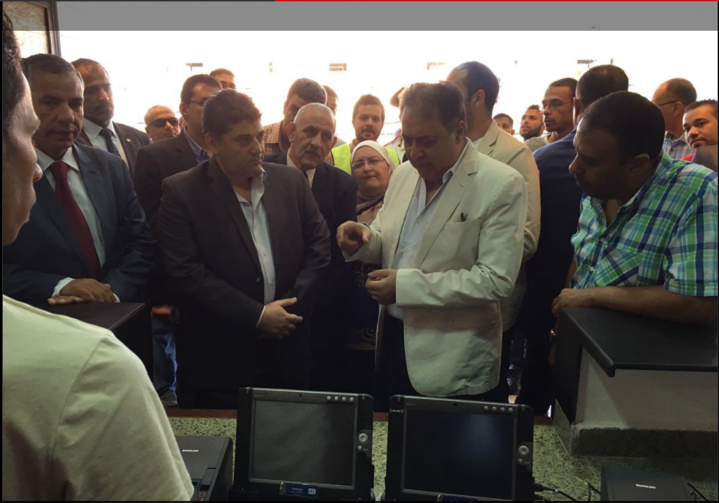 "Photo of بالصور.. وزير الصحة: تصنيع ""كومدينو"" وأسرة طبية بالوزارة لأول مرة"