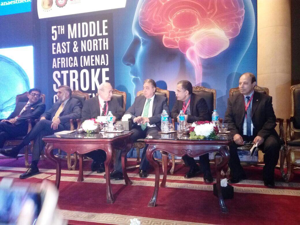 صورة وزير الصحة يوجه بضرورة الافراج الجمركى عن أدوية السكتة الدماغية
