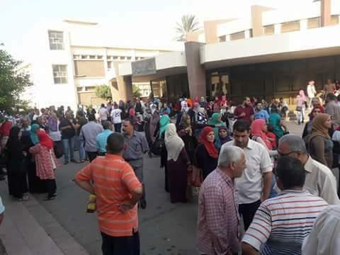"""Photo of إضراب عمال """"ممفيس"""" للأدوية لليوم الرابع وتوقف العمل بالشركة (صور)"""