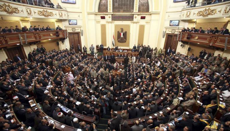 Photo of استقطاع 1%من رواتب الموظفين لمدة عام لصالح كورونا
