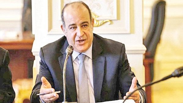 Photo of عضو لجنة الصحة: عجز الأطباء فى القطاع الحكومى يصل لـ 50%