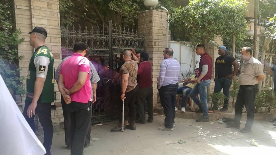 Photo of حقيقة الاتهامات بمحاولة التعدي على «نقيب الصيادلة»
