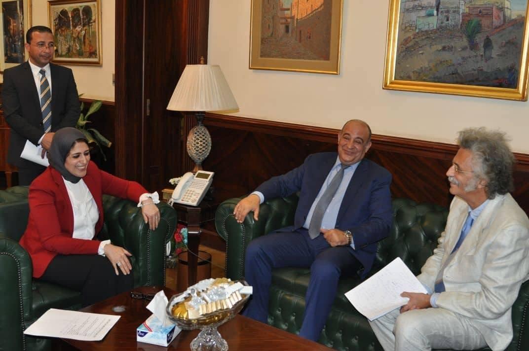 صورة الدراسات العليا والتعدى على الأطباء في لقاء وزيرة الصحه مع النقابة