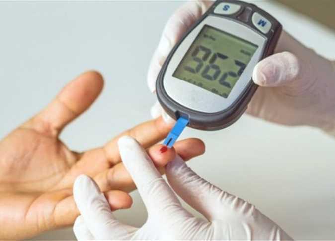 صورة أستاذ أمراض ذكورة يكشف تأثير السكر على القدرة الإنجابية