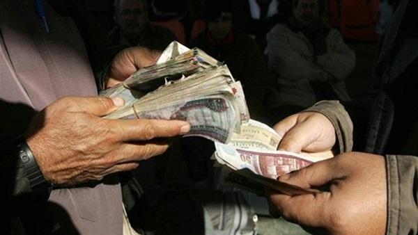 Photo of الرقابة الإدارية تضبط مهندس بالمحافظة بتهمة تلقى رشوة من صيدلي