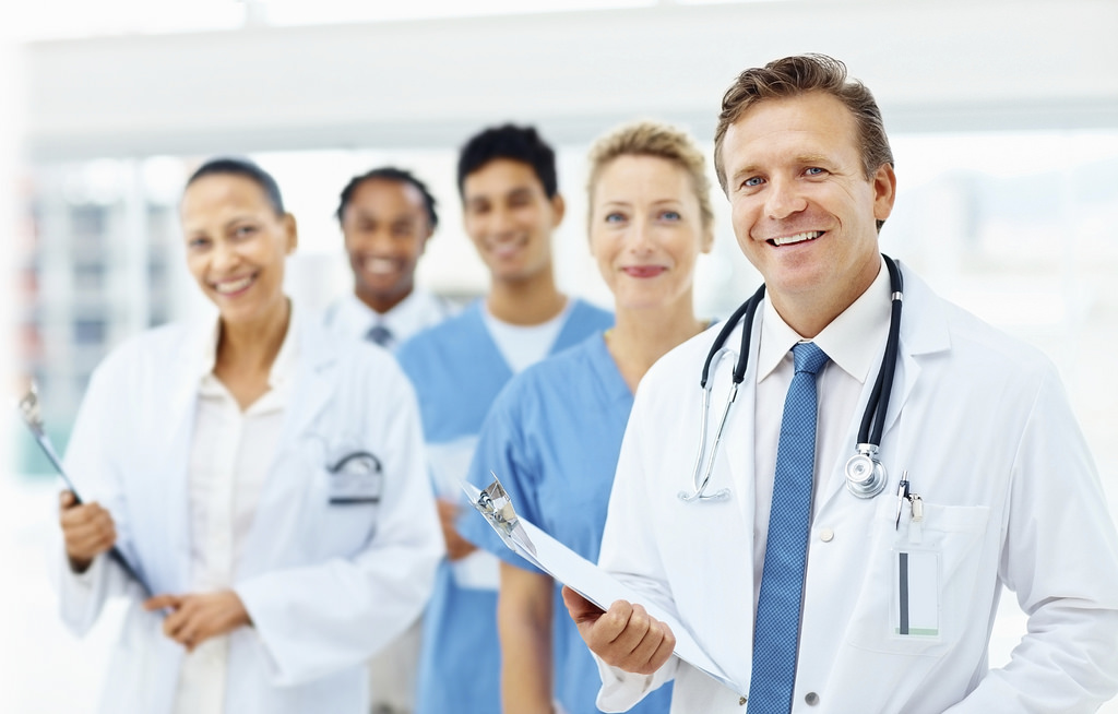 Photo of دراسة بريطانية: أكثر المهن التى يرثها الأبناء هى الطب