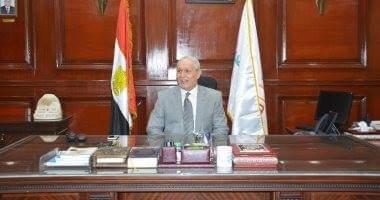 Photo of رئيس مدينة يحيل ٣٥ طبيبا وممرضا بالأقصر للتحقيق