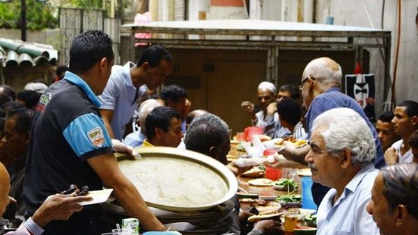 Photo of صحة الأقصر: إعدام 96 كيلو طعام بموائد الرحمن ومحلات الياميش