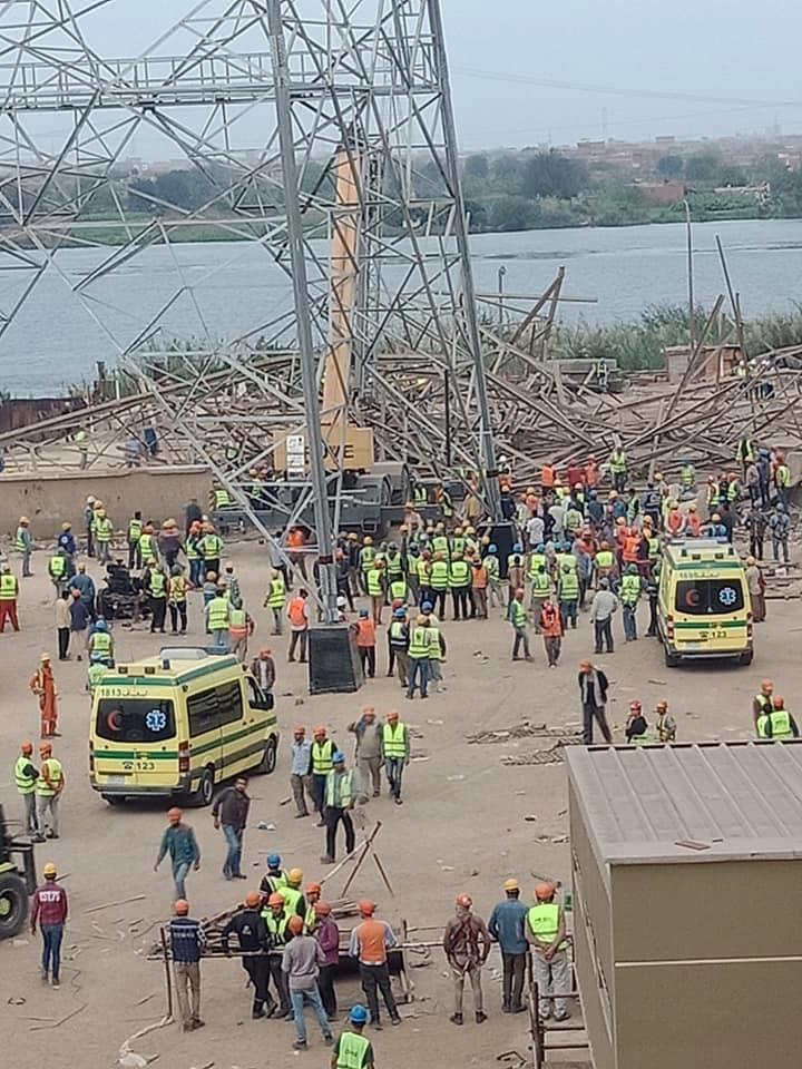 Photo of بالصور .. سقوط برج كهرباء بالجيزة وأنباء عن 4 وفيات