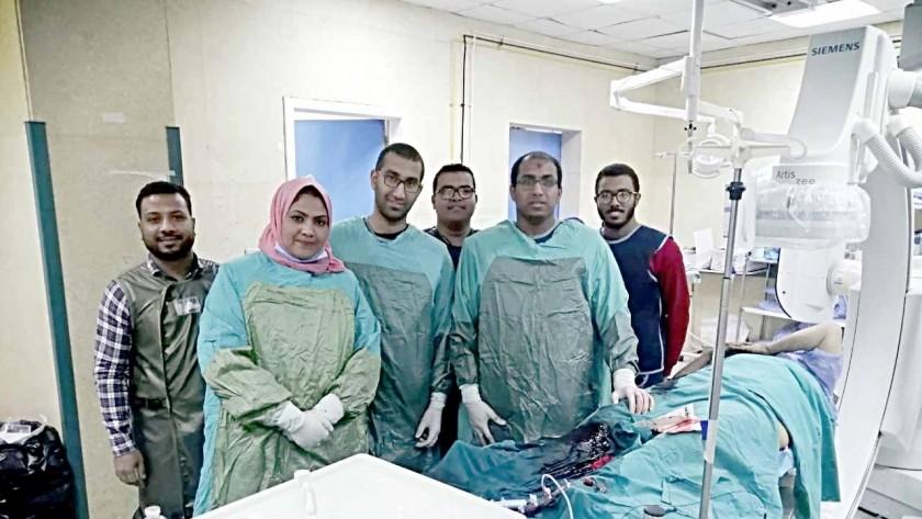 Photo of فريق طبي بـ «قنا الجامعى» يُنقذ امرأة تُعانى من حالة خطرة بالقلب