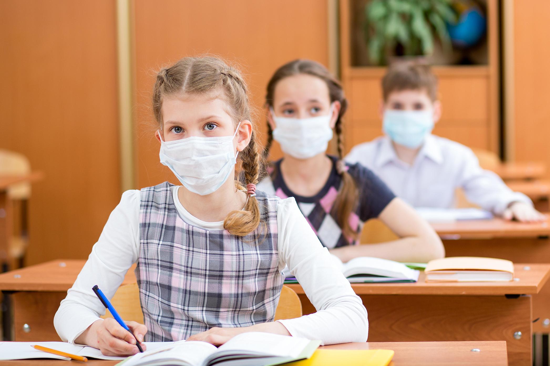"""صورة """"الصحة"""" توزع خططًا للوقاية من الأمراض المعدية على المدارس"""