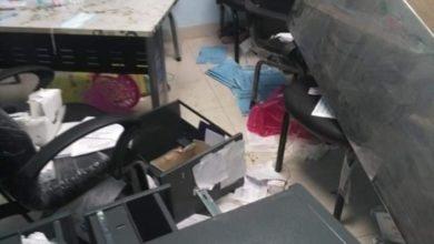 Photo of اعتداء على مستشفى بنها التعليمي بعد يومين من تحويلها لعزل (صور)