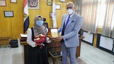صورة صحة بني سويف: منحة دراسية لابنة طبيبة توفيت بكورونا في «طب النهضة»