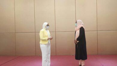 Photo of وزيرة الصحة تبدأ جلسة ثنائية مع نظيرتها السودانية لتعزيز التعاون في المجال الصحي