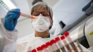 صورة حسام حسني: لقاح للقضاء على فيروس كورونا قد يتوفر في أوائل 2021