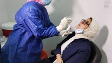 صورة وزيرة الصحة: لم نسجل أى مضاعفات من تجارب لقاح كورونا.. وربنا يعدى الشتاء على خير