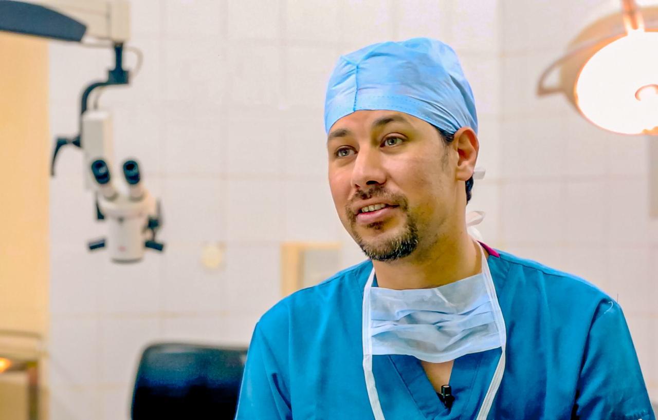 الدكتور محمد هندي، استشاري القرنية والمياه البيضاء والجراحات الانكسارية للعين