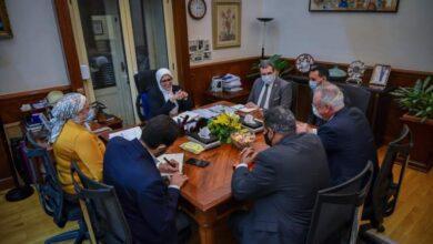"""صورة وزيرة الصحة تبحث مع """"سيمنز"""" نقل التكنولوچيا الحديثة لدعم القطاع الصحي"""