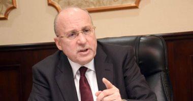 صورة وزير الصحة الأسبق يكشف حقيقة رفض 50% من الأطباء الحصول على لقاح كورونا